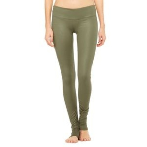 4c3a8bfbef ALO Yoga Pants | Jungle Glossy Idol Small | Poshmark